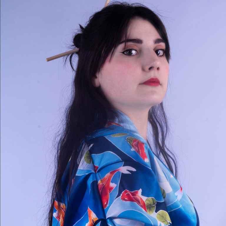 Conjunto de kimono y falda
