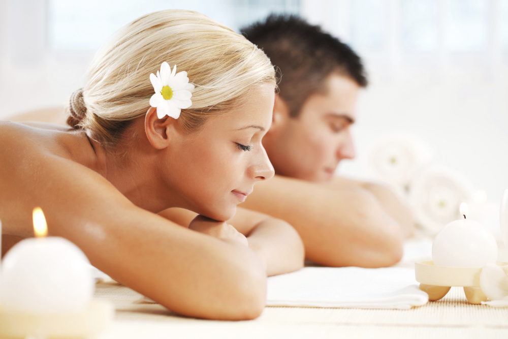 man and women head image getting massagge