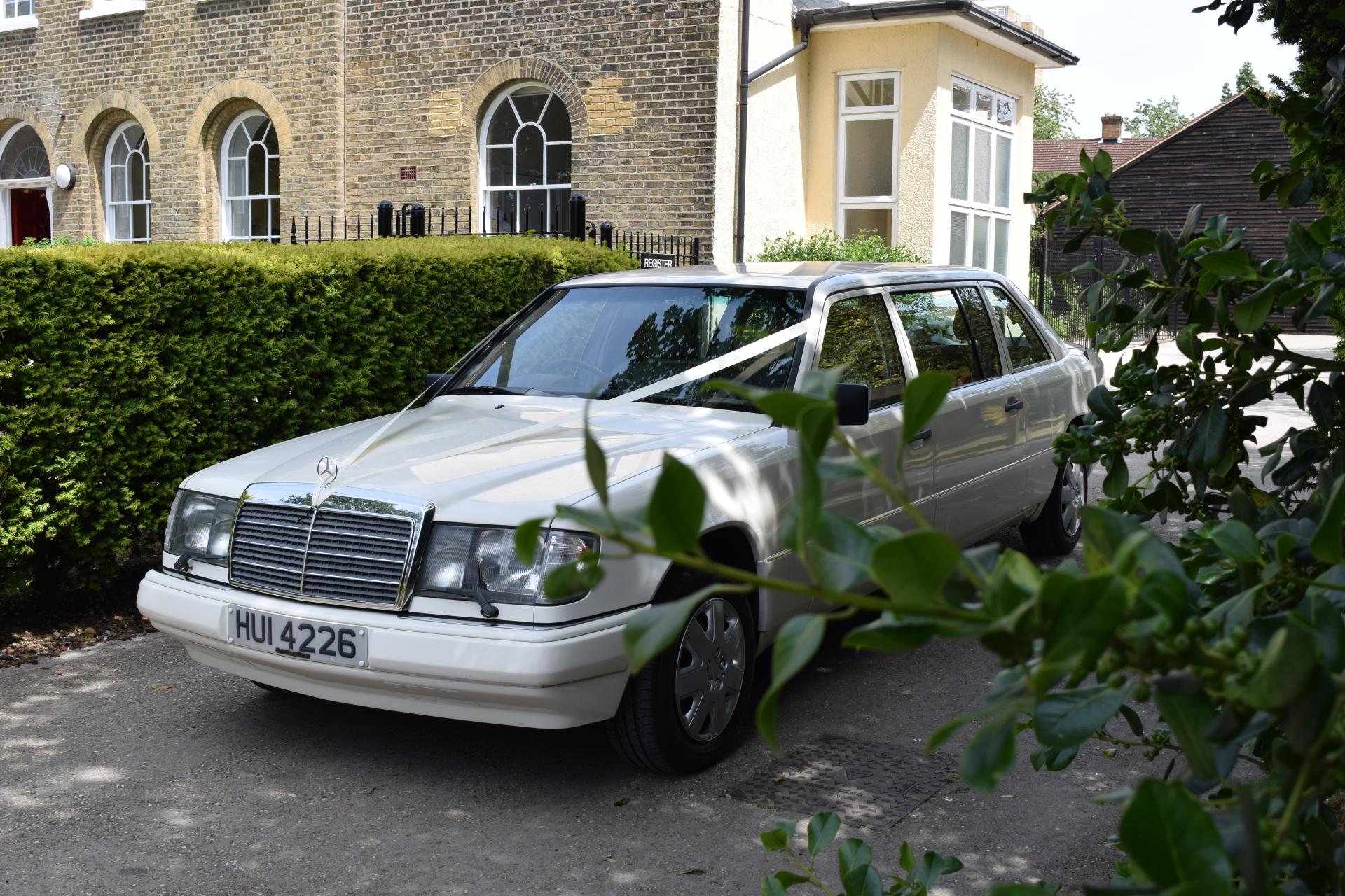 Mercedes 7 Passenger Limo