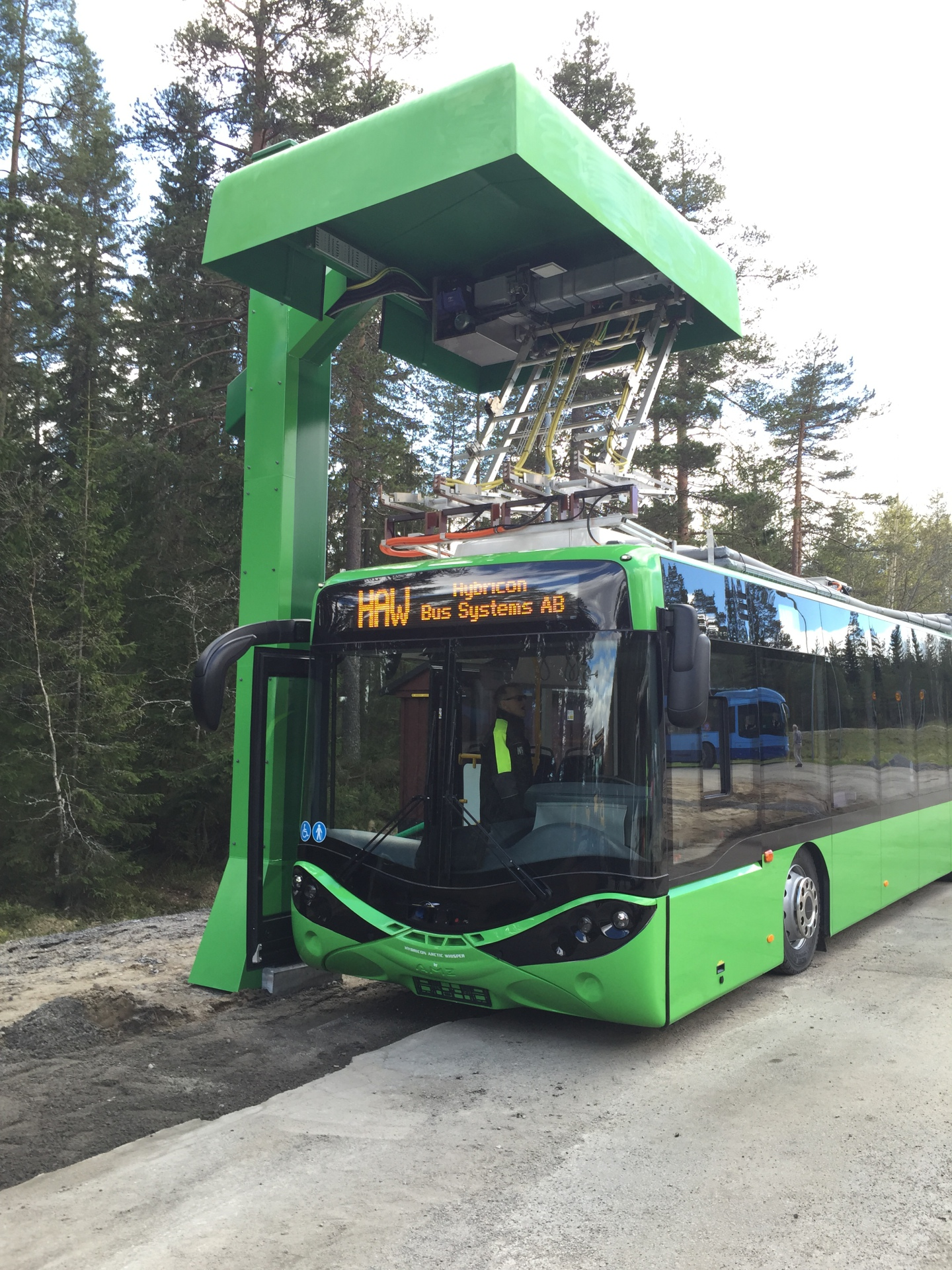 Busbaar V3 and 650kW Charger, Sweden 2015