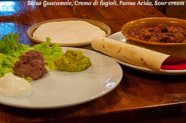 DSC_4765_Salsa-Guacamole-Crema-di-fagioli-Panna-Acida-Sour-cream