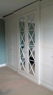 Bespoke Wardobes with Mirrored Lattice Detail