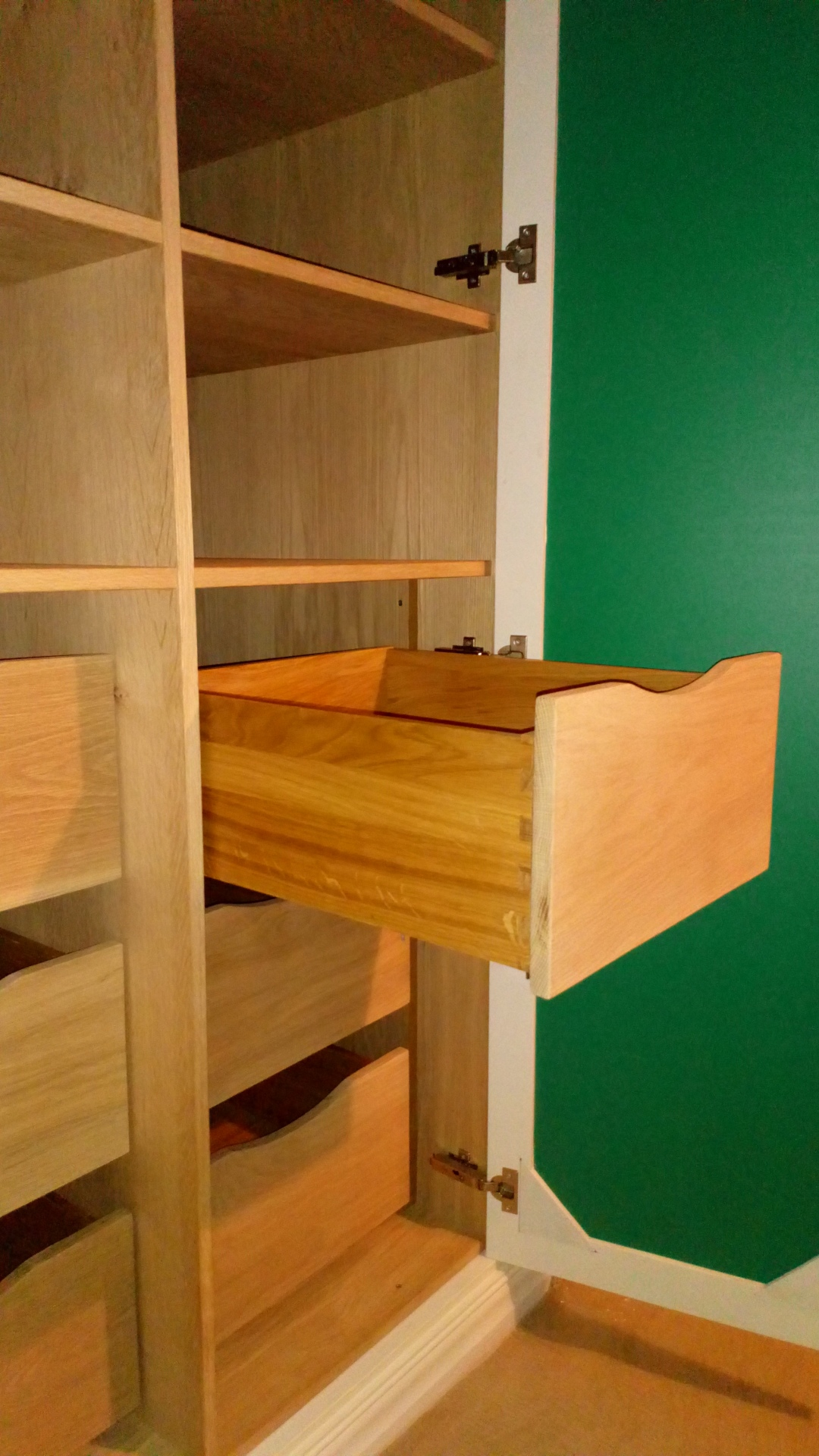 Solid Oak Dovetail drawers