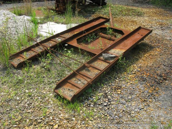 Loader rail car