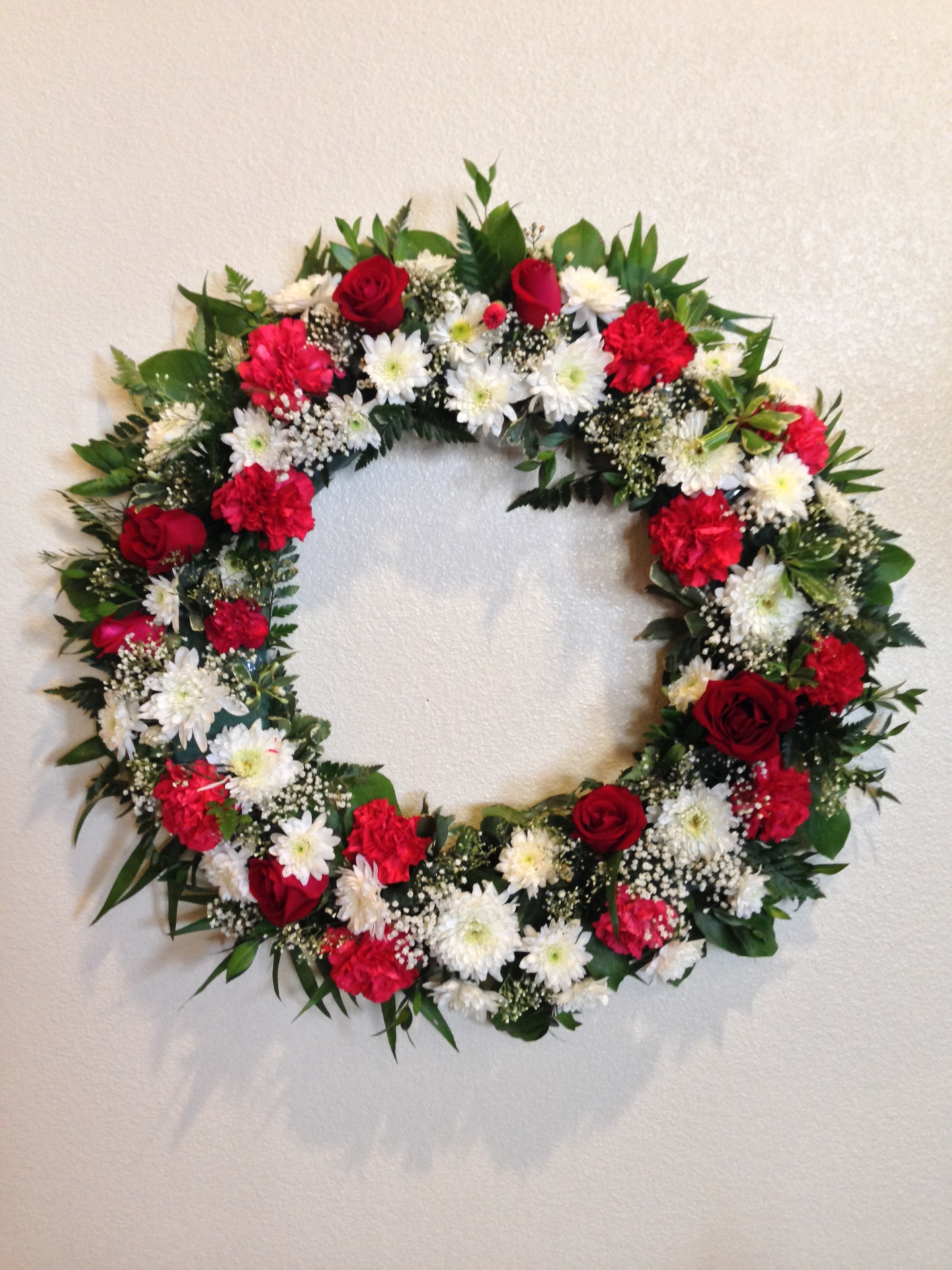 W-4  Red and White Wreath