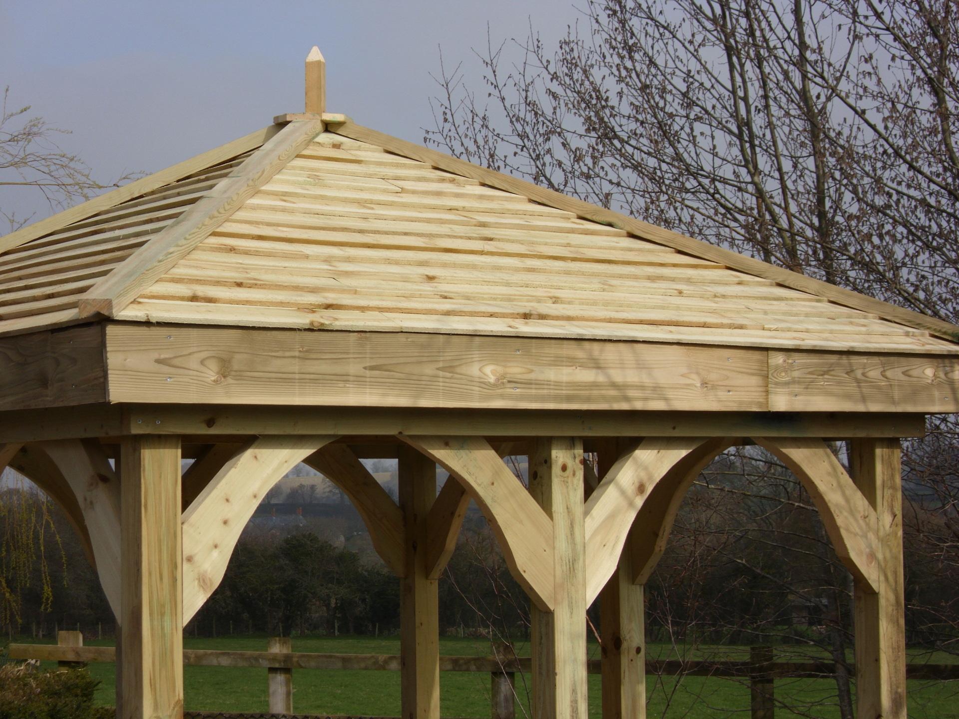 Shingle style roof