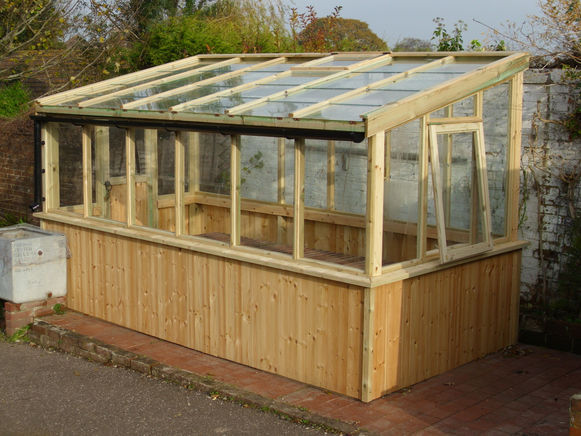 Lean to style green house