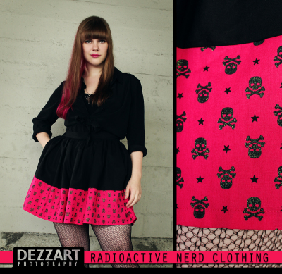 PINK SKULLS BOARDER SKIRT