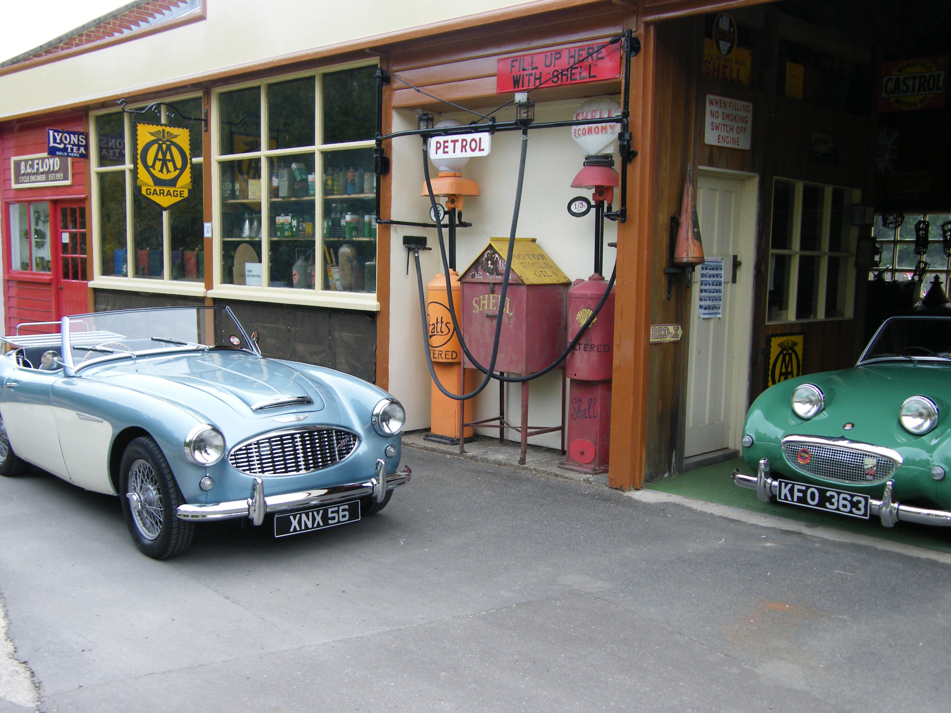 Amberley Museum - Village garage