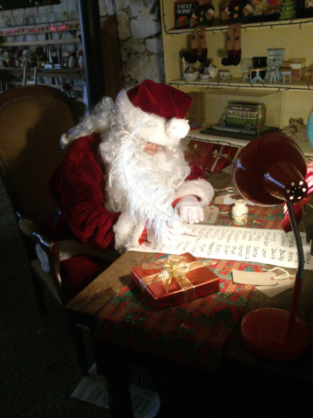 Santa Special Days - Discover Christmas at Amberley Museum!