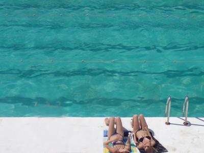 """Sunbathers """"Icebergs"""""""