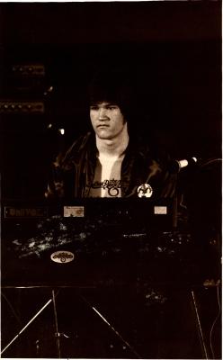 1977 - Piano man