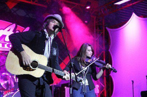 Chris Golden, Elizabeth Golden, father daughter, fiddle, acoustic, Americana,