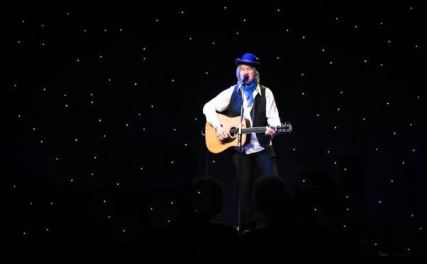 Chris Golden, Singer, Musician, television taping, Duggar Mountain Music Hall, Alabama Public Television, Larrivee guitars, singer