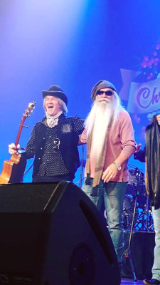 Chris Golden, William Lee Golden, Oak Ridge Boys, Ryman Auditorium, Restless Heart, Chriistmas, Thank God For Kids, father and son, The Goldens