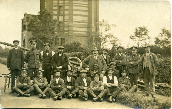 Soldiers & Workmen at Finedon Water Tower, c1914-18