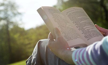 Գիրք կարդալը նորաձև է