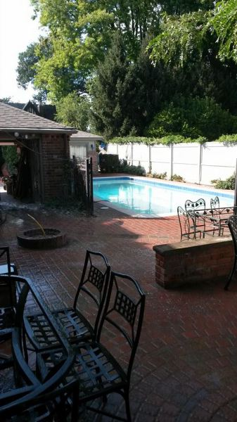 Pool:Patio