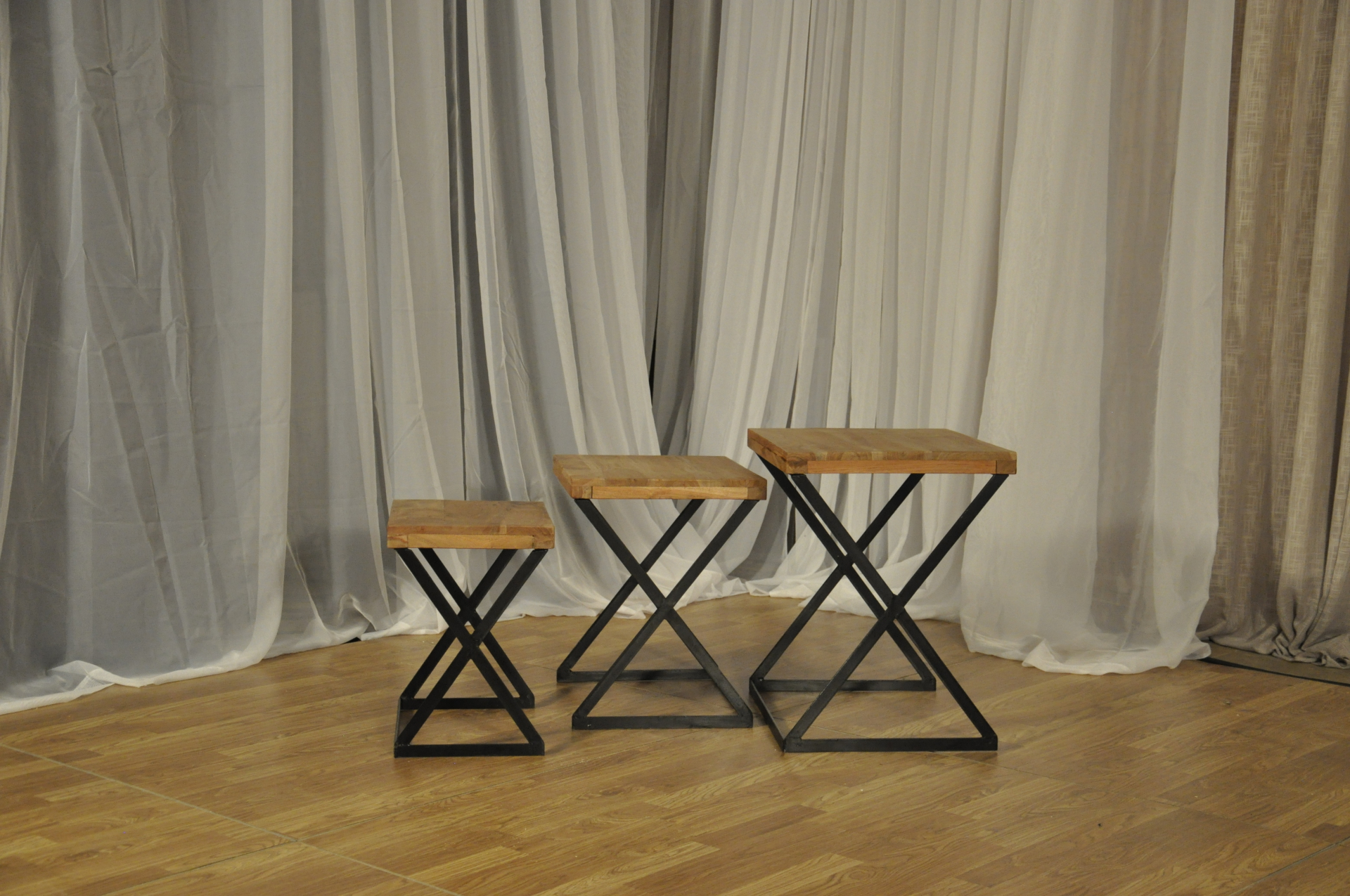 TRIO TABLES
