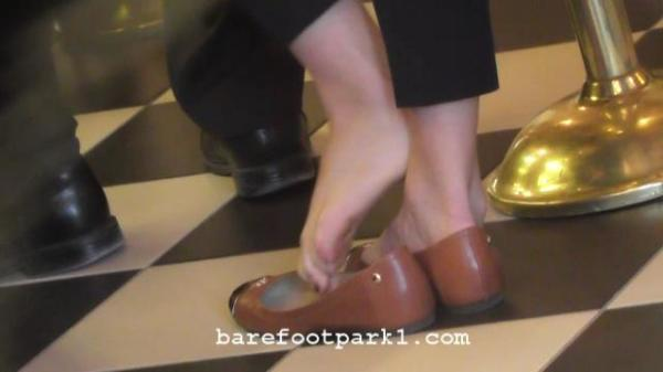 BARE FEET, SHOE PLAY, DIPPING, TOE CURLING, WRINKLED SOLES, HEELS, TOES