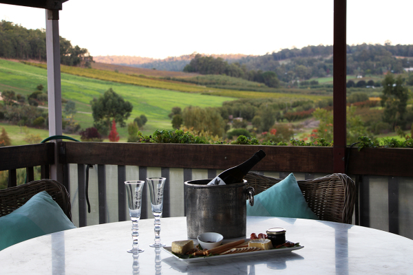 sparkling & views looking over the beautiful perth hills