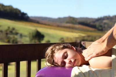 perth hills romantic relaxing getaway