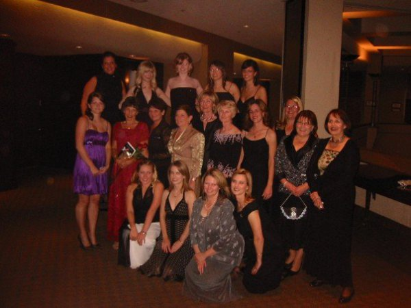 deke-wives-and-girls-at-70th