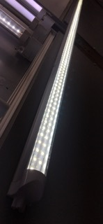 8FT 3 pin T5 Tube Light