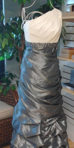 Prom & Formal Dresses