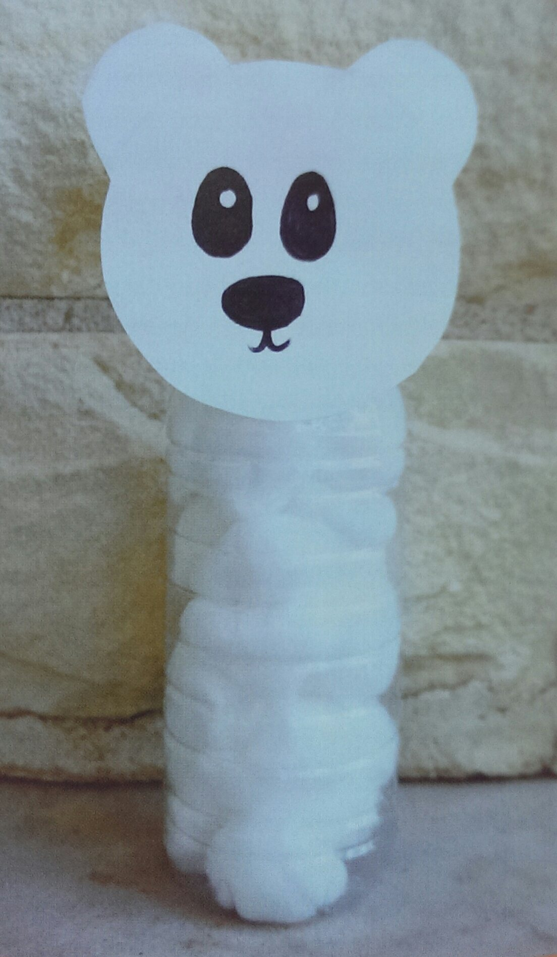 WATER BOTTLE POLAR BEAR  A cute way to recycle water bottles!