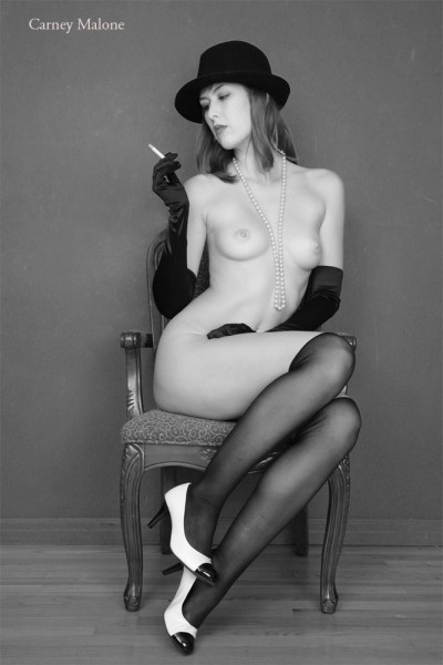 Elegant Nude 4