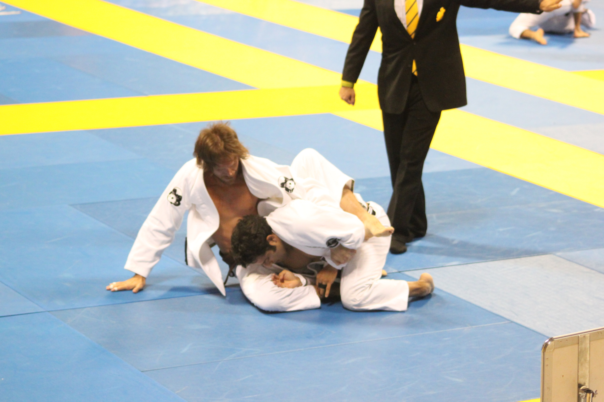 brazilian jiu jitsu back take from turtle position
