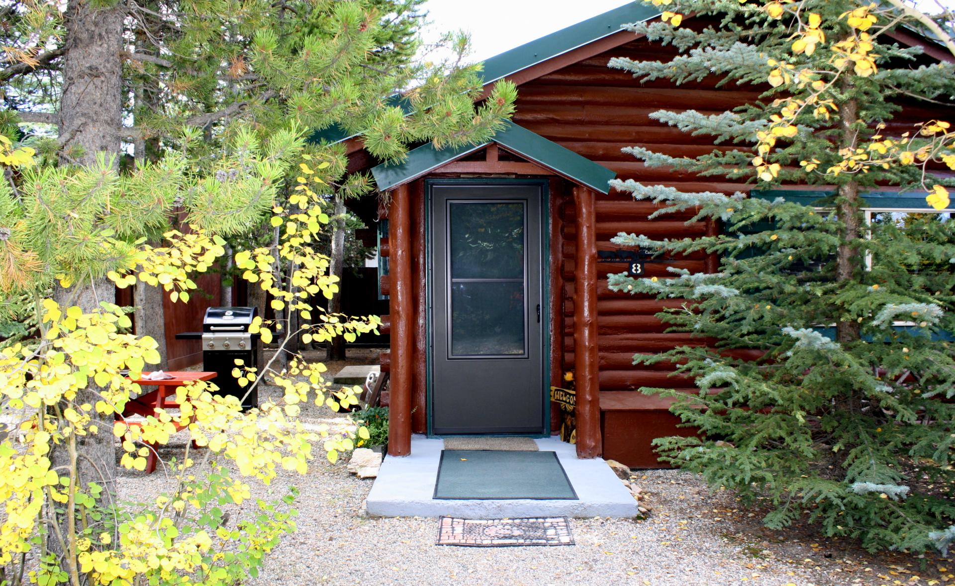 Cabin 8 entrance