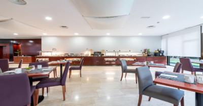 Restaurant area in Hotel Eurostars Ciudad de la Coruna In Galicia