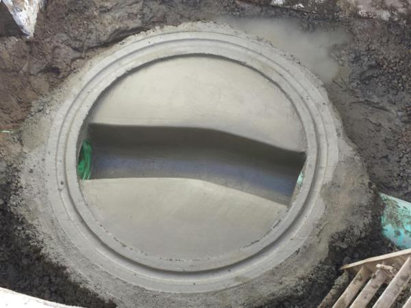 Freehand Manhole Base
