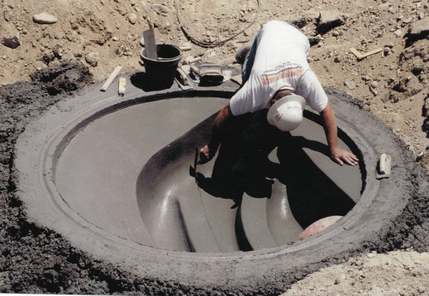 Siphon Manhole