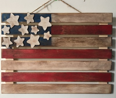 Rustic Flag Mini Pallet