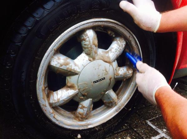 Mid Wheel Clean