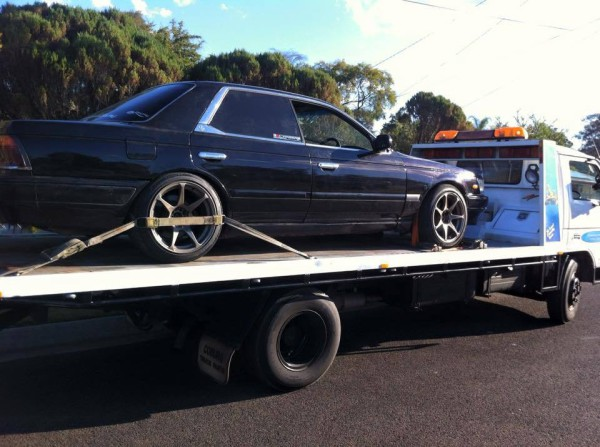 Blue Black nissan Skyline Auto 2000  - GDM Ipswich towing services, cheap reliable towing, tilt tray tow truck, Flat bed towing, Wrecking, wreckers, Scrap