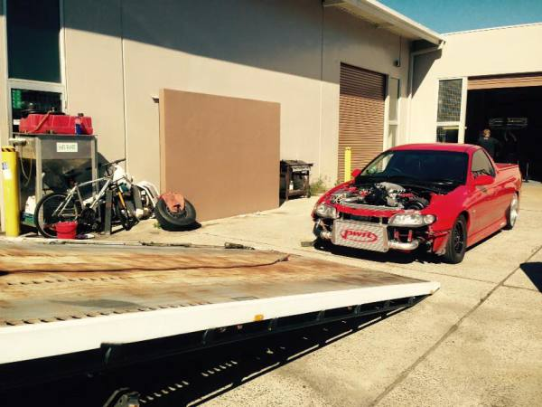 Recliffe Tow to One mile Ipswich Holden commodore ust 2001 Red GDM Ipswich towing services, cheap reliable towing, tilt tray tow truck, Flat bed towing, Wrecking, wreckers, Scrap