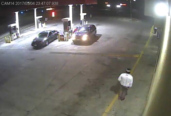 Detectives Looking For Homicide Suspect.
