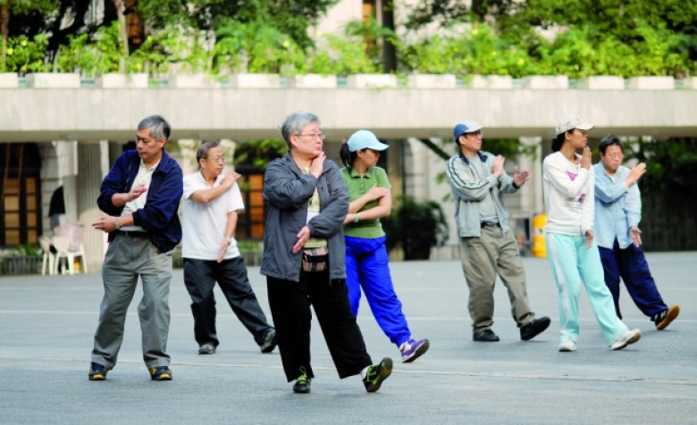 Why do people in Hong Kong live longer?