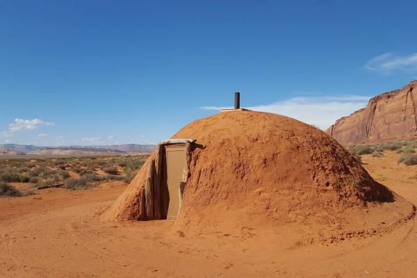 印第安霍根hogan-纳瓦霍人Diné传统之家