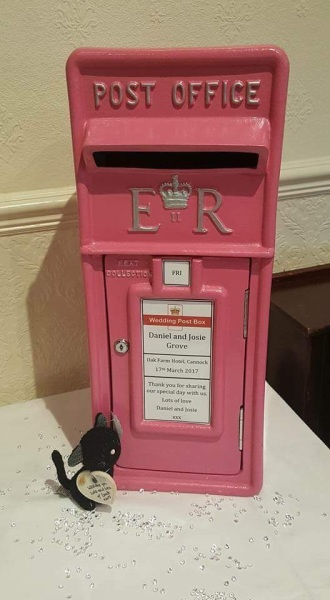 #Weddingpostbox #weddinghire #postboxhire #hotpinkpostbox #royalmailpostbox #personalisedpostbox
