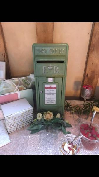 #Weddingpostbox #weddinghire #postboxhire #greenpostbox #sagegreenpostbox #royalmailpostbox #personalisedpostbox