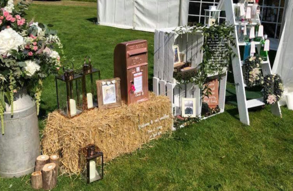 #rosegoldwedding #rosegoldpostbox #postboxhire #weddingpostbox