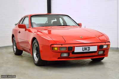 PORSCHE 944 2.5 COUPE 1985 RED