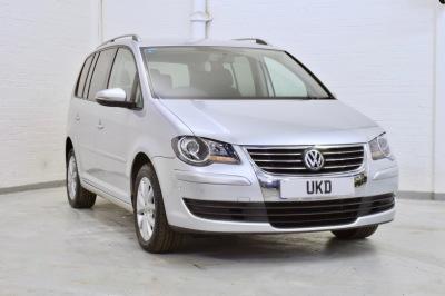 VW TOURAN 1.9 TDI 2010 SILVER