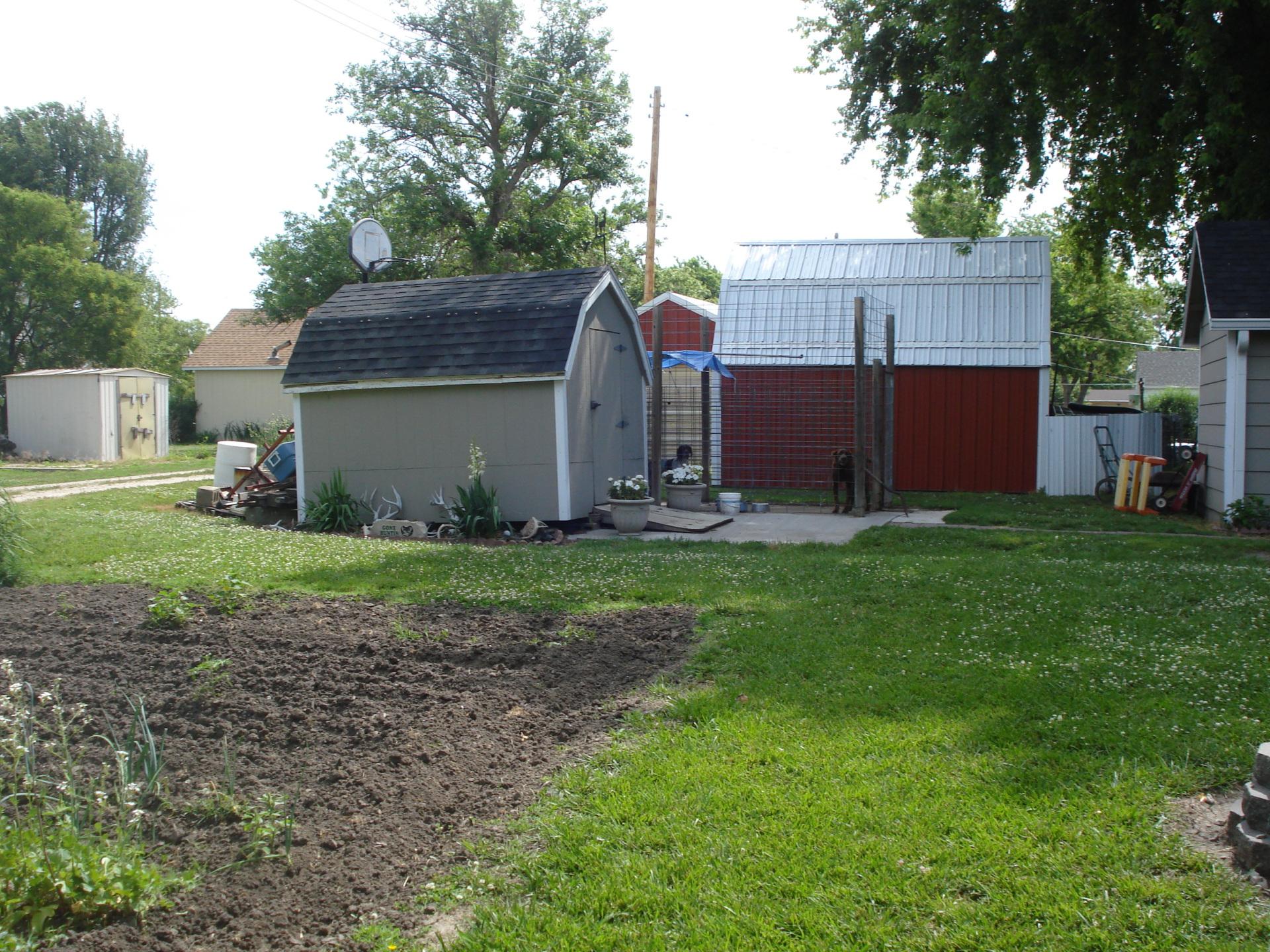 Garden  house for sale  Linn  Kansas