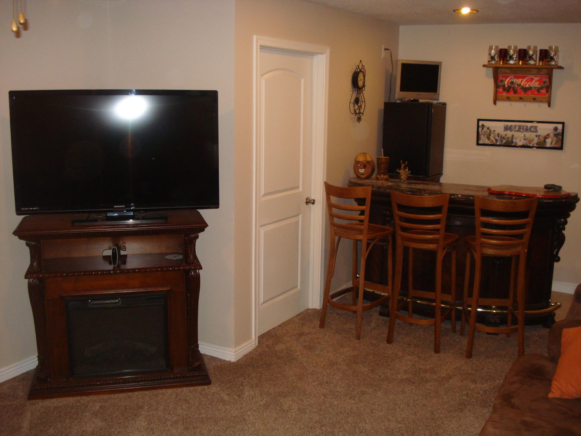 Family room  basement  Linn  Kansas